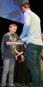 Florian Weiß bei der Jugendsportehrung des ADAC mit Jonas Folger