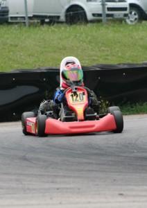 Florian Weiß - Raceflo - Motorsport: Training mit 25 PS Rennkart unterwegs
