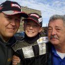 Florian Weiß mit Vater Stefan Weiß und seinem Kartslalom-Trainer Klaus Gerbert