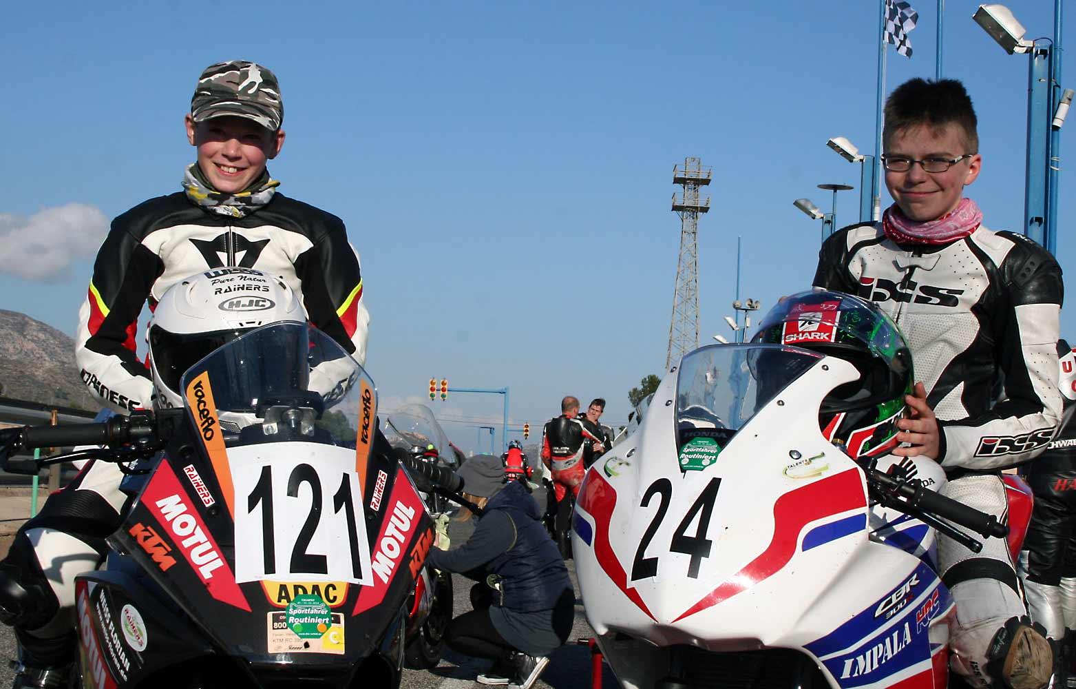 Winter-Training in Spanien: Florian Weiß mit Partner Tristan Walch beim 4 Stunden Rennen in Calafat